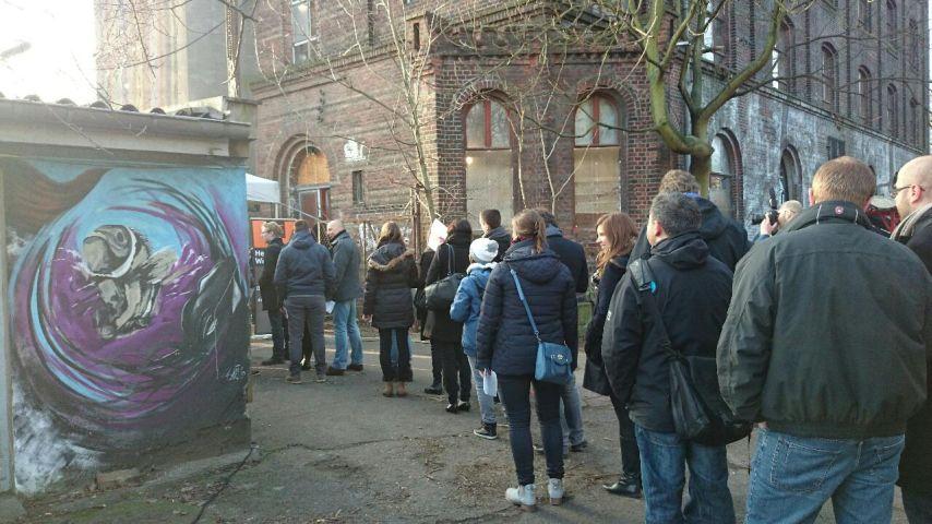 Schlange stehen bei der PPC Masters in Berlin